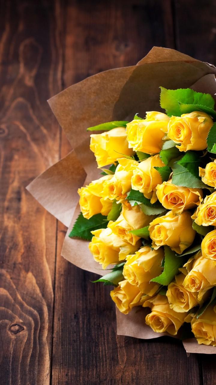 Trandafiri galbeni - Mobil