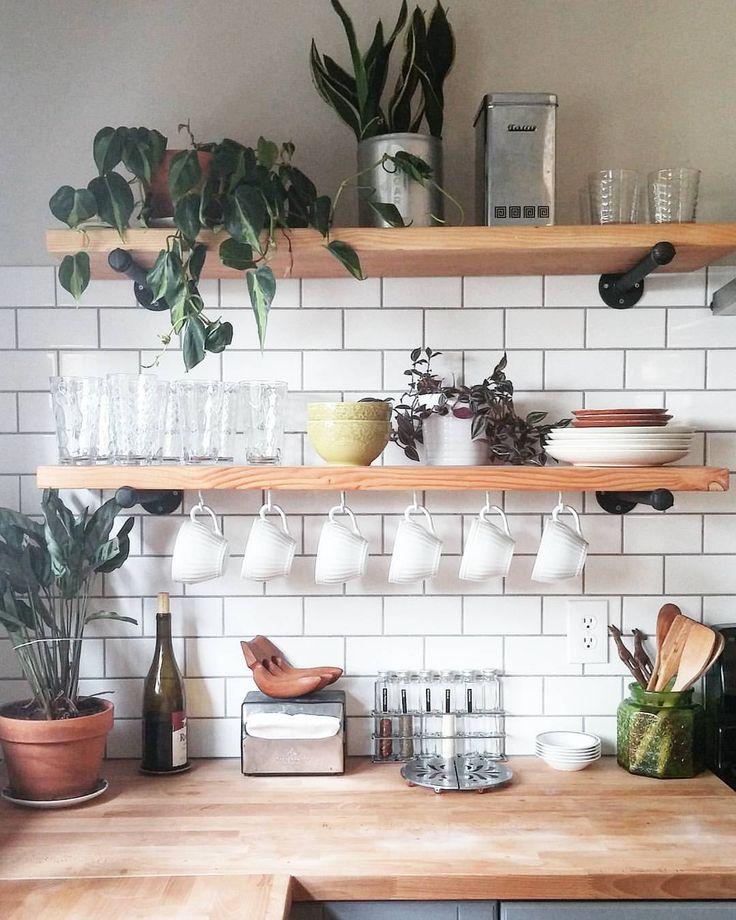 Hanging Open Kitchen Shelves: 7 Motive Pentru Care Ar Trebui Să Montați Rafturi Deschise