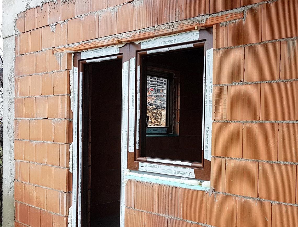 montajul ferestrelor şi a uşilor