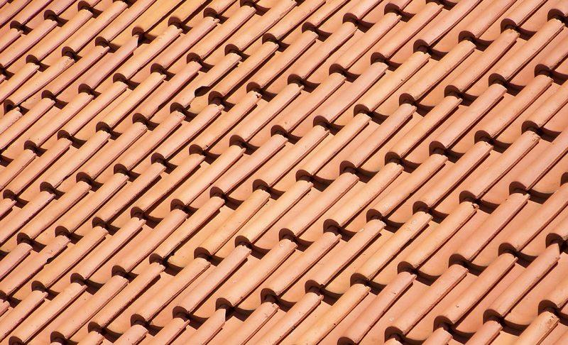 Învelitoare pentru acoperiș din țiglă ceramică