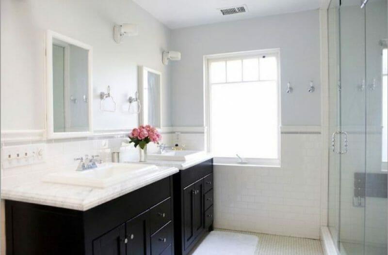 măsuța de toaletă neagră
