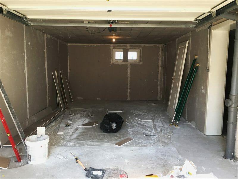 cât de mare trebuie să fie spațiul interior al garajului