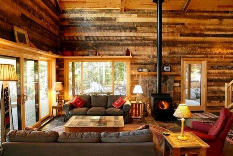 casa din grinzi de lemn