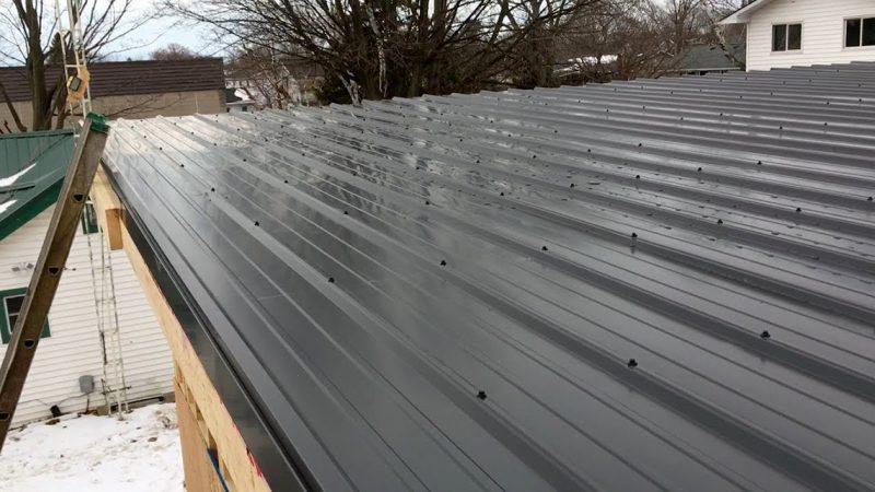 acoperișul unui garaj