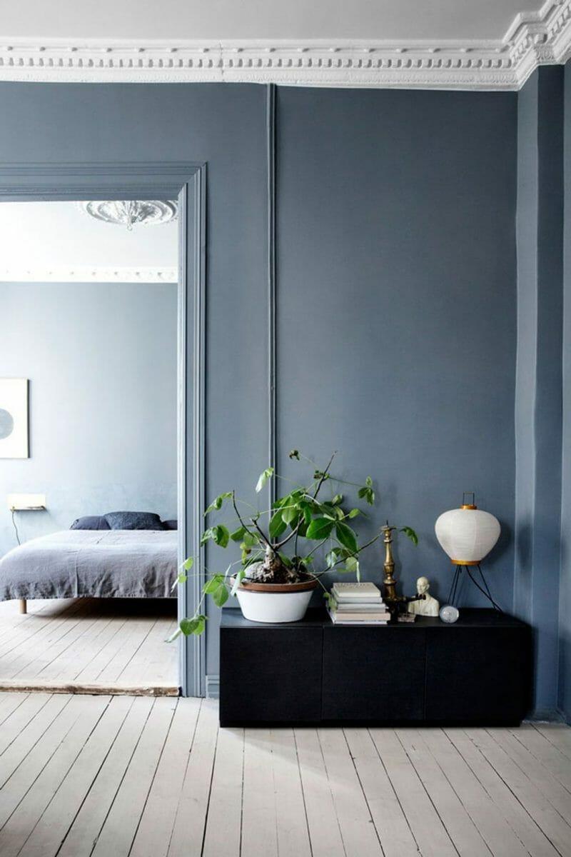 albastru negru in designul interior