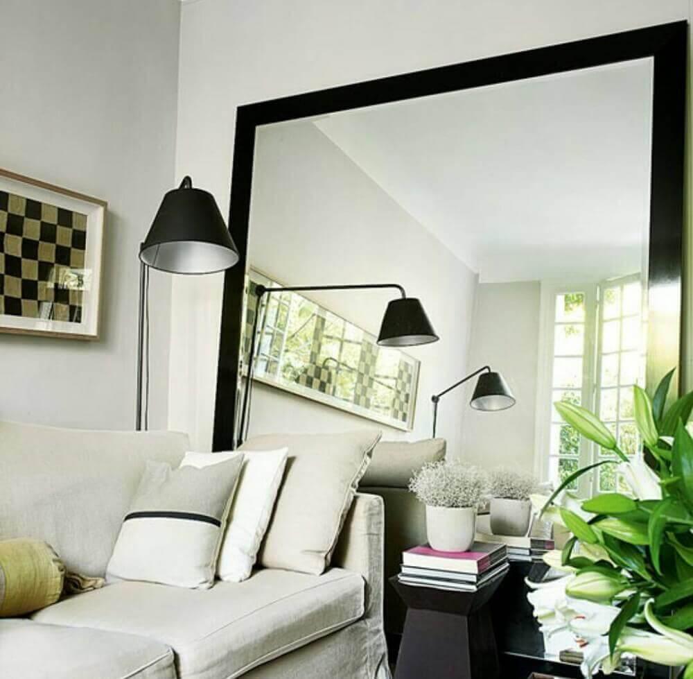 oglinda mare in apartament mic